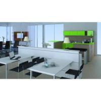 Büroküche mit Tischen, Orgawand